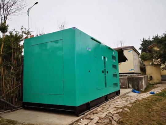 农庄600KW玉柴低噪音发电机组