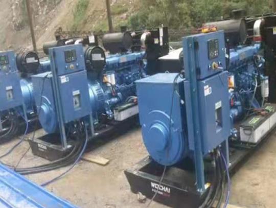 采矿场3台200KW潍柴电力原装机组并机