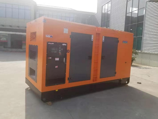 工厂300KW康明斯低噪音发电机组