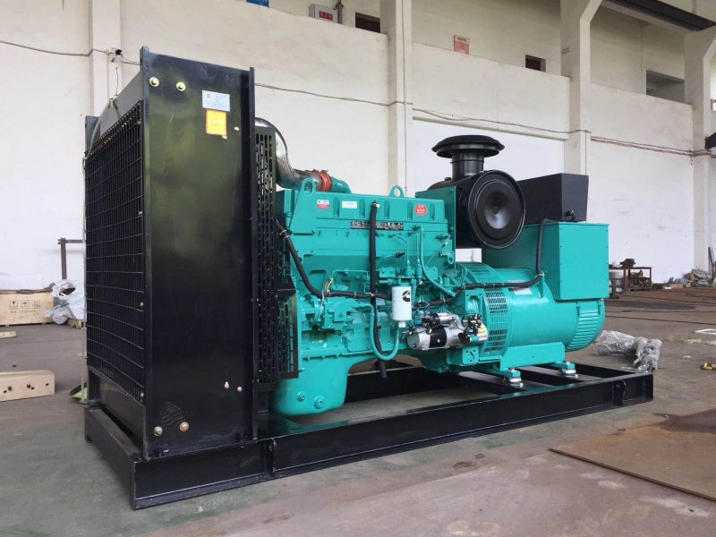 380KW东风康明斯柴油发电机组